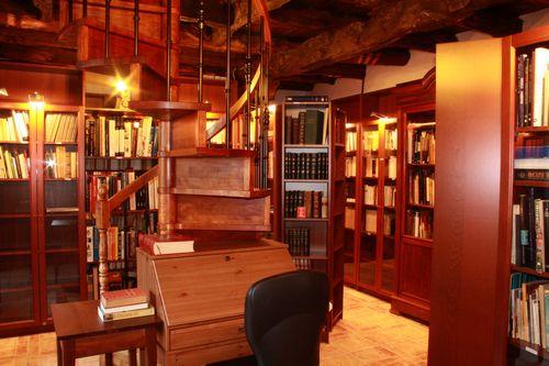 La bibliothèque du monastère