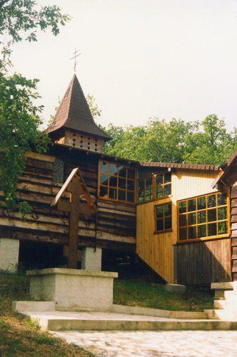 Le monastère à Murel