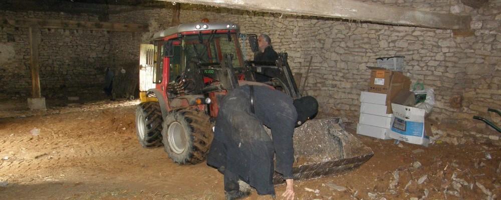 Nettoyage de l'ancienne grange
