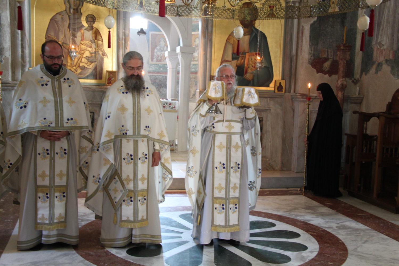Liturgie au monastère de Zica